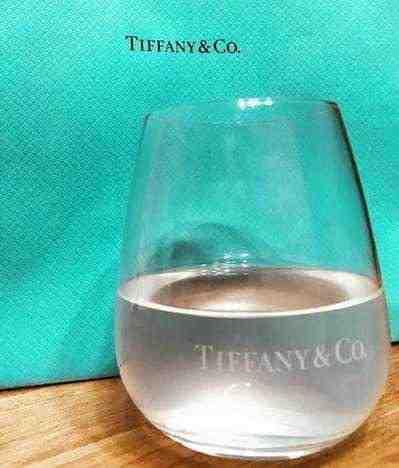 女友達の誕生日プレゼント ティファニーグラス
