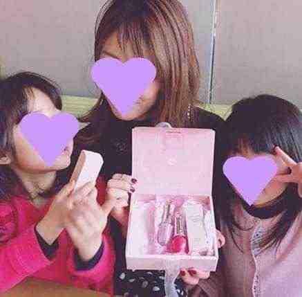 女友達の誕生日プレゼント ジルスチュアートのコスメセット