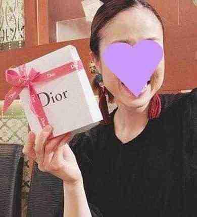 女友達の誕生日プレゼント ディオールのコスメ
