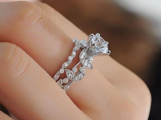 指輪 彼女の誕生日プレゼント